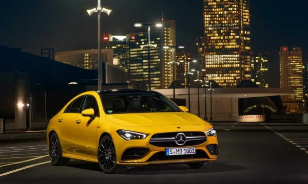 Mercedes prezanton veturën e re sportive AMG CLA 35 (VIDEO)