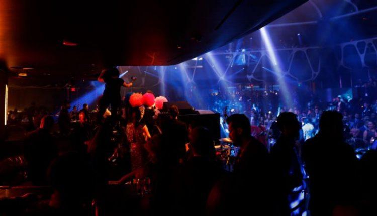 Profesori kishte marrë 165 mijë euro grante për hulumtime shkencore, por i shpenzoi ato në klube striptizi dhe blerje online (FOTO)