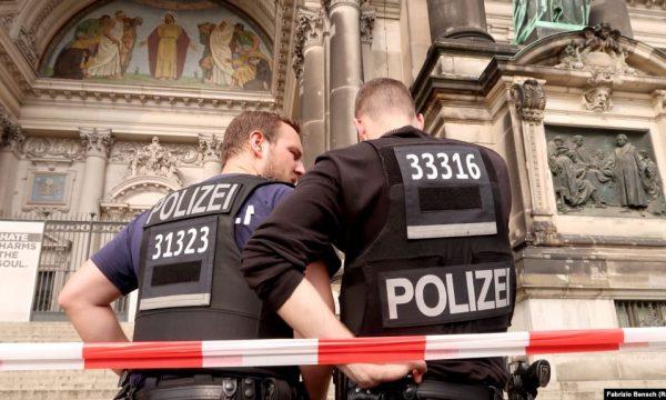 Policia gjermane ndalon veprimtarinë e një grupi neo-nazist