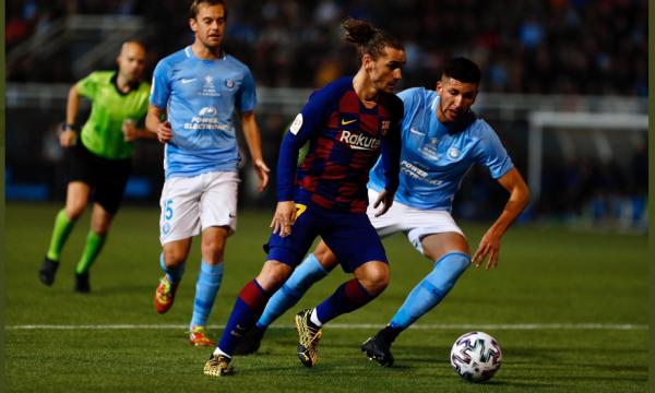 Golat e Griezmann e kualifikojnë Barcelonën
