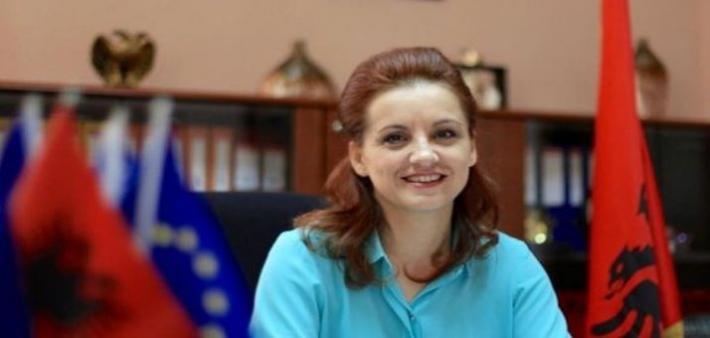EMRI/ Përfundon në SPAK ish-kryebashkiakja e njohur (FOTO LAJM)