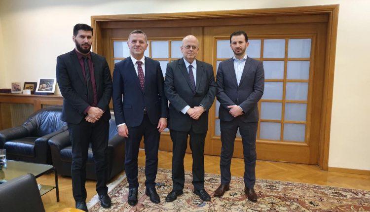 Kryetari Memedi realizoi takim zyrtar me ambasadorin e Greqisë z Janakakis