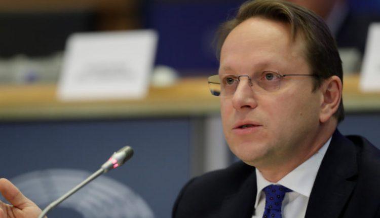Nesër Eurokomisari për zgjerim Varhelji në Shkup