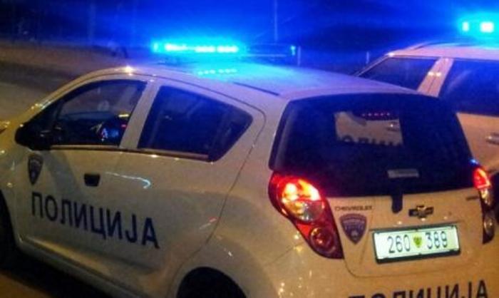 Kumanovë, tenton t'i verë zjarrin makinës së policisë