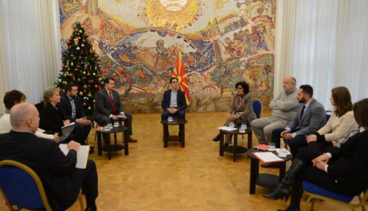 Presidenti Pendarovski i priti anëtarët e Këshillit për mbikëqyrje qytetare
