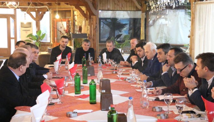 Zyrtarët e BDI-së takim me afaristë në Vizbeg: Krijojmë kushte të volitshme për zhvillim të biznesit