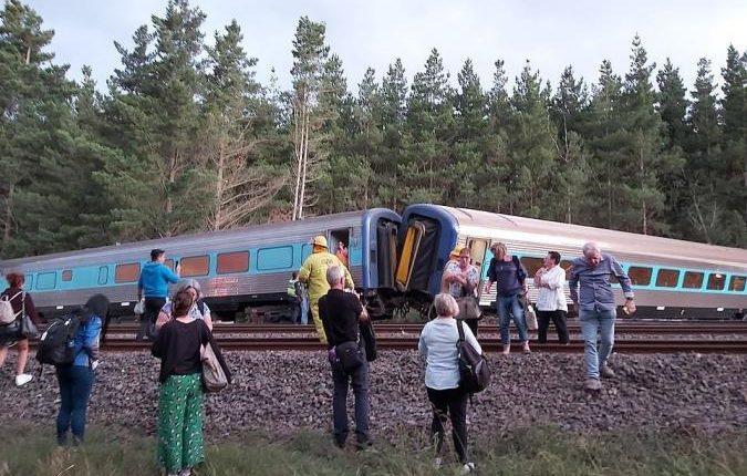 Me shpejtësi 160 km/h: Treni del nga shinat, ka viktima