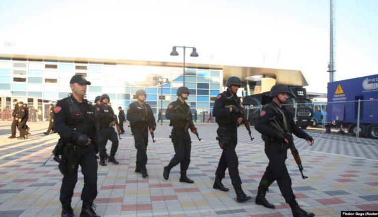 Policia shqiptare arreston 115 persona për organizim të lojërave të fatit
