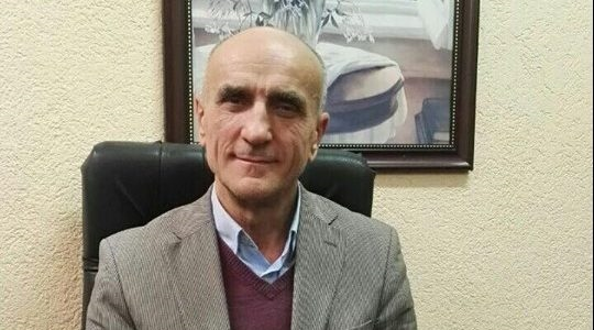 Die Zeit sugjeron, një Dritan Abazoviq për Maqedoninë e Veriut dhe Bosnjën