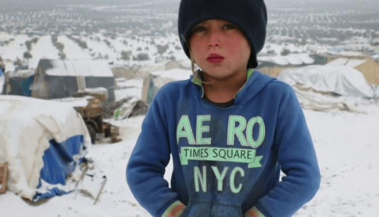 Acar dhe mjerim, fëmijët sirianë po ngrihen nga i ftohti