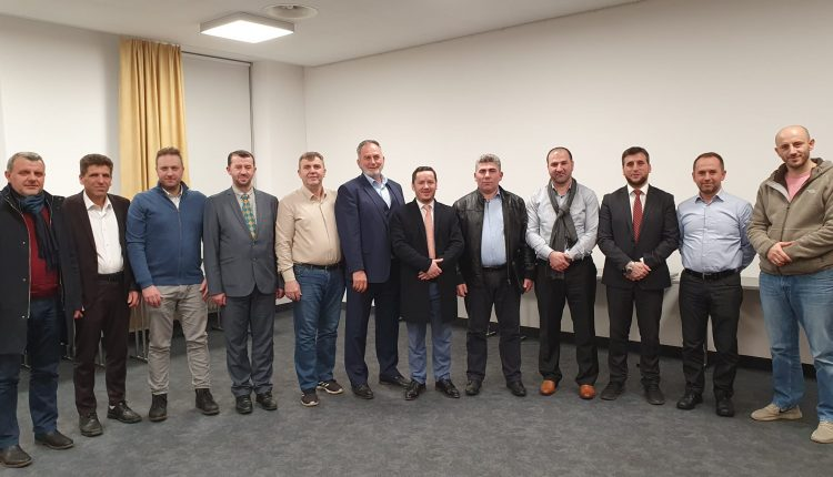 Nënshkruhet akti i bashkimit të dy organizatave që përfaqësojnë xhamitë shqiptare në Zvicër