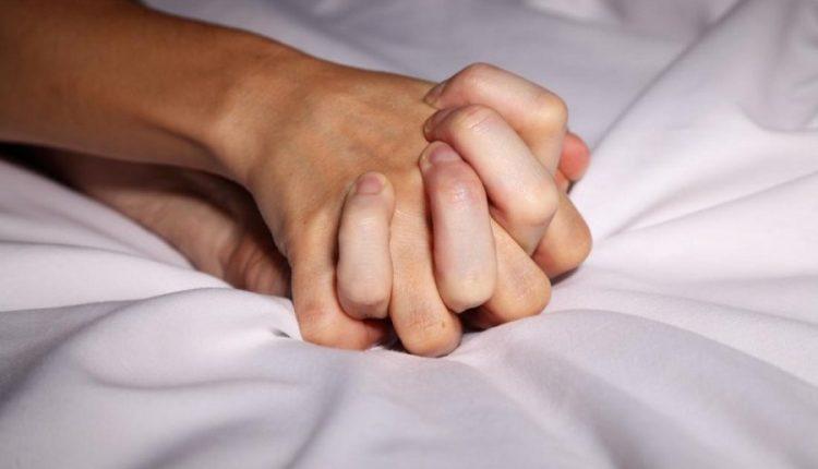 Shkencëtarët inkurajojnë njerëzit të bëjnë më shumë seks gjatë pandemisë së koronavirusit