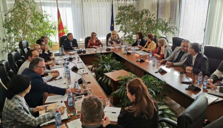 Takim i anëtarëve të KSHZ-së me Deskoskën, ESHR dhe KSHPK: Në fokus financimi i partive politike
