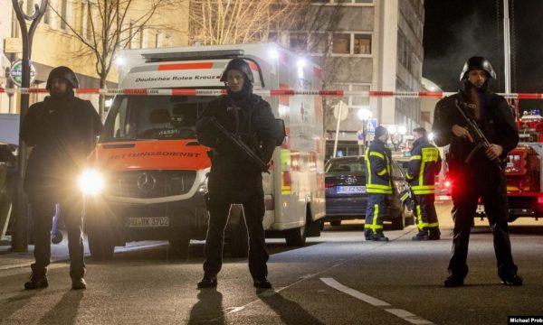 Gjermania ndalon takimet publike të më shumë se dy personave