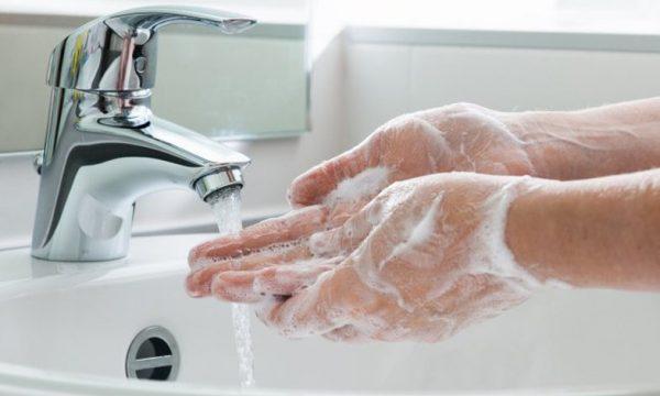 T'i thani duart është po aq e rëndësishme sa t'i lani