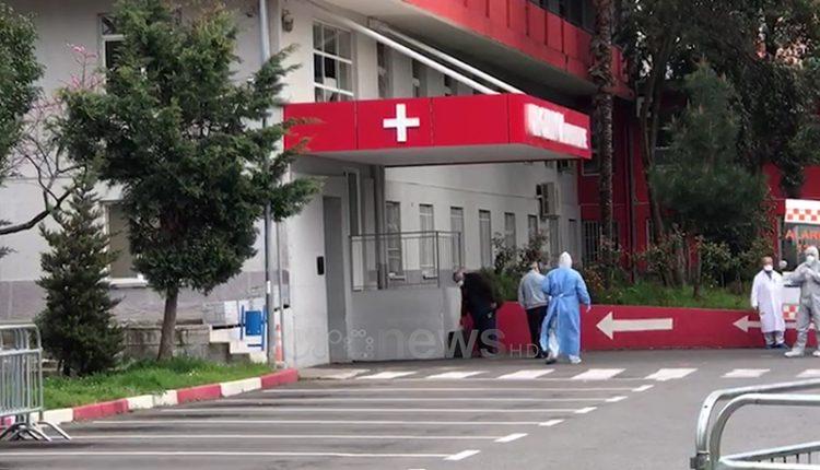 Vdes një 85 vjeçare, shënohet viktima e 7 nga koronavirusi në Shqipëri