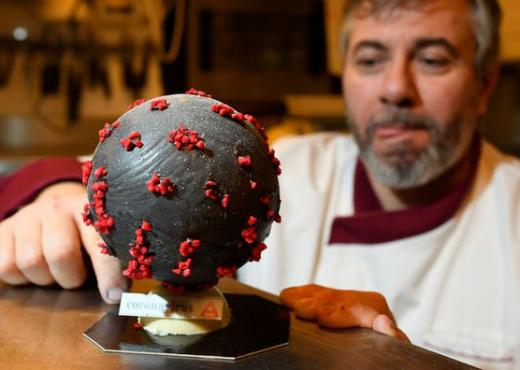 """Francezët """"gatuajnë"""" koronavirusin, a do e provoje këtë ëmbëlsirë (FOTO LAJM)"""