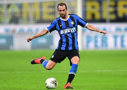 United dhe Tottenham dëshirojnë shërbimet e veteranit të Interit