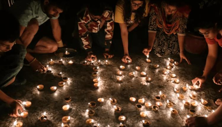 India ndez qirinjë për të shënuar luftën kundër viruseve