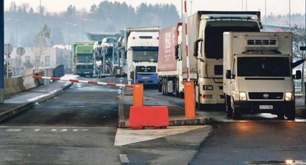 Shqipëria të enjten eksporton 300 tonë me perime drejt Kosovës