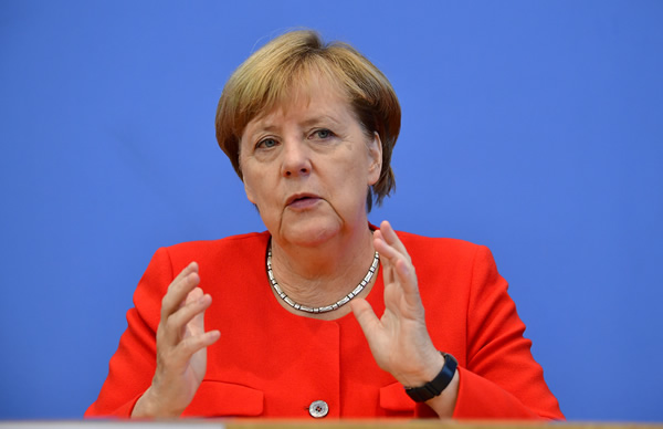 Merkel: BE-ja ndidhet para sfidës më të madhe që nga themelimi
