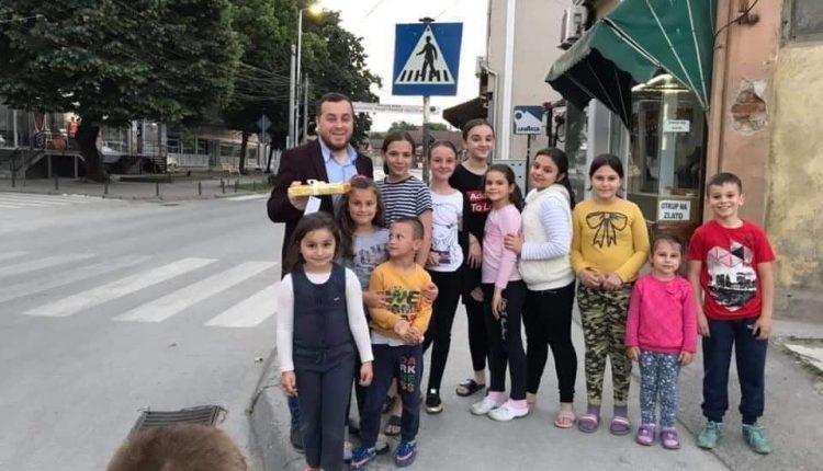 Dhuratë e këndshme për muezinin e xhamisë së Kumanovës në fund të Ramazanit