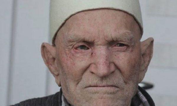 Plaku 106-vjeçar nga Vitia vdes tri ditë para se ta përfundonte Ramazanin e 94-t (VIDEO)