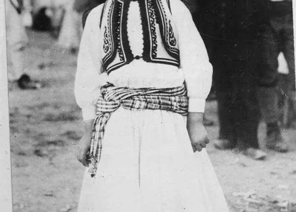 Vogëlushi shqiptar që fliste pesë gjuhë të huaja