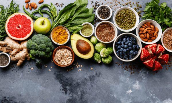 Ushqimet ideale për të pastruar organizmin nga helmet