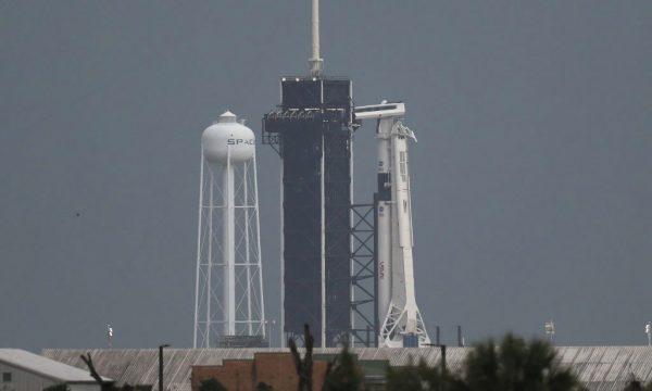 Kushtet atmosferike e pamundësojnë nisjen e raketës së NASA dhe SpaceX