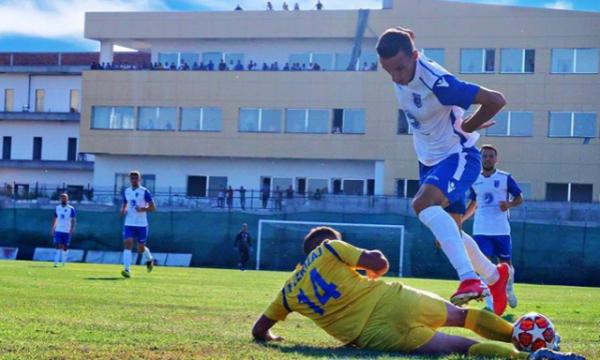 Izair Emini është futbollisti i Dritës, që doli pozitiv me koronavirus