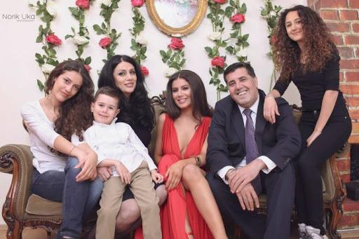 Lutfi Haziri ka një gëzim në familje, ja me çfarë foto zgjedh për të uruar