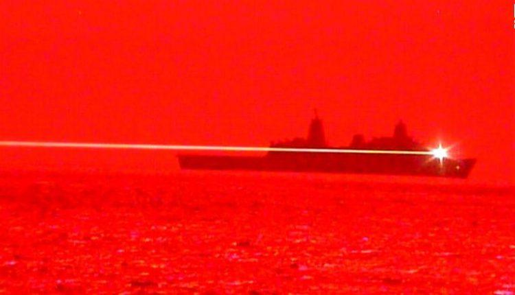 Marina amerikane teston armën me lazer