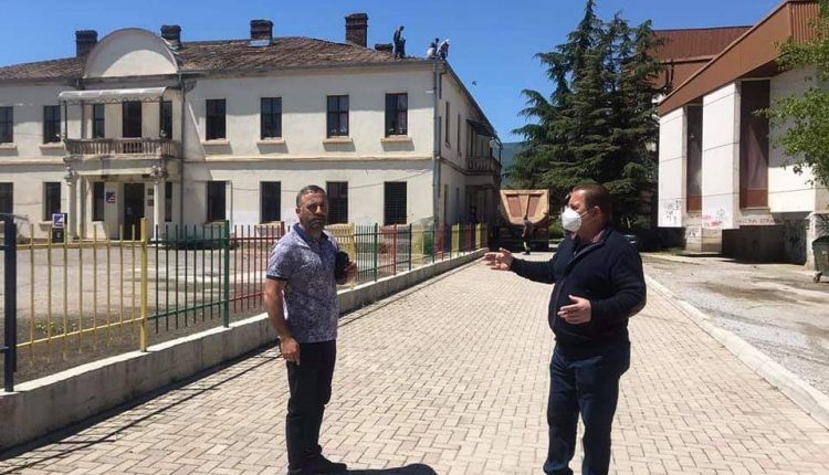 Kryetari Merko zhvendos administratën e Komunës së Strugës në lokacion të ri