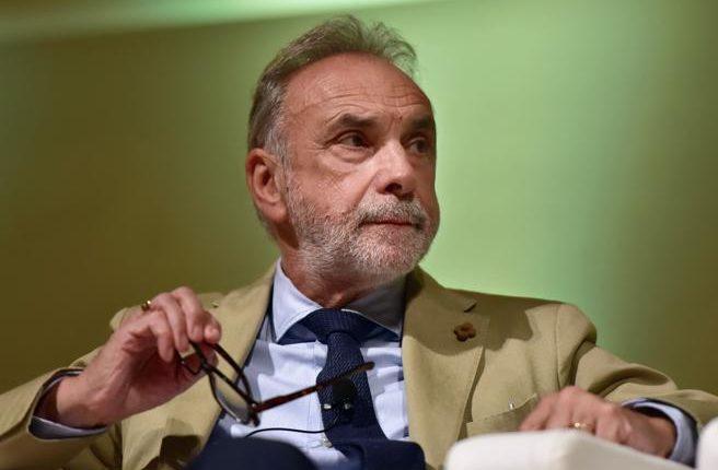 Eksperti italian Remuzzi: Virusi Covid 19 po mbaron vetvetiu