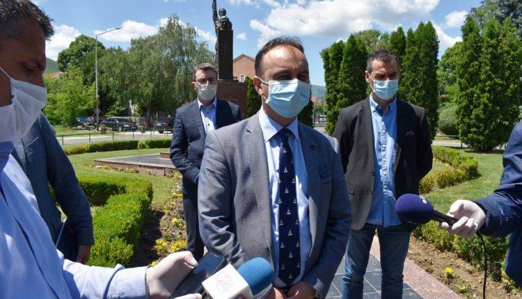 Çulev: 15 mijë denarë nuk është ndonjë shumë e madhe, por shumë do të thotë për nëpunësit policorë