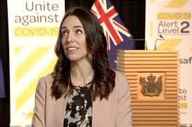 Kryeministrja e Zelandës së Re e vazhdoi intervistën në mes të tërmetit (video)