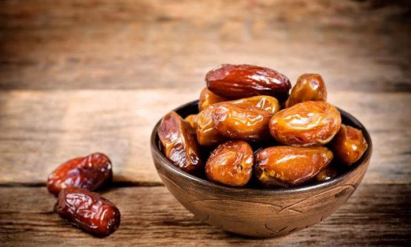 Tetë arsyet përse duhet të hani hurma gjatë gjithë vitit