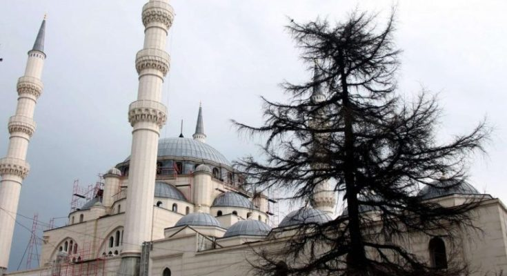 Fitër Bajrami, Lika: Janë marrë të gjitha masat nëpër xhamitë