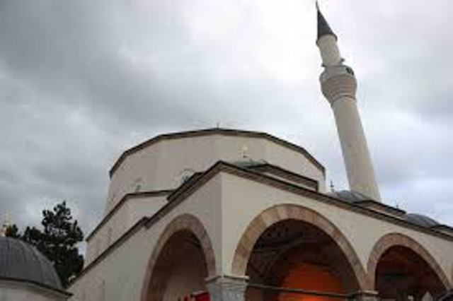 Pak para iftarit, hajnat vodhën në një xhami 600 euro!