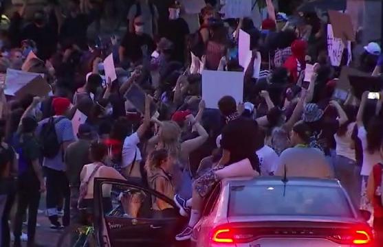 Protestat në ShBA ngjallin frikë për valën e dytë të koronavirusit