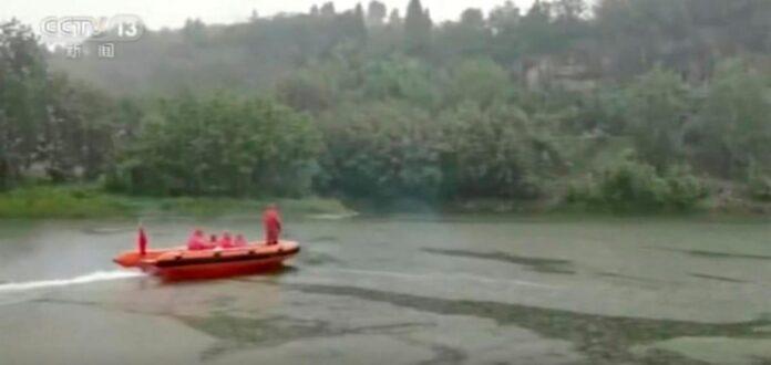 E rëndë! 7 fëmijë hynë në lum për të shpëtuar shokun, mbyten të gjithë