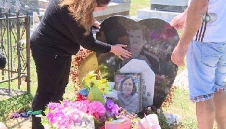 Ngatërrohen arkivolet: Në vend të një gruaje, varroset një burrë