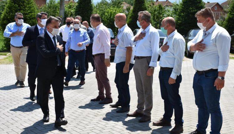 Besimi viziton bizneset në Tetovë dhe rrethinë: Do angazhohem për stimulim të investimeve