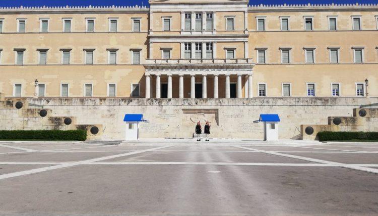 Greqia nesër do ta finalizojë listën me vendet e treta për qytetarët e të cilëve do të lejojë hyrje
