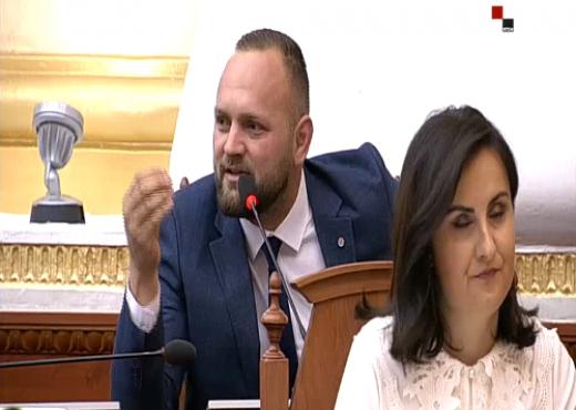 Deputeti në Kuvend: Të rikthejmë dënimin me vdekje, pedofilët të varen