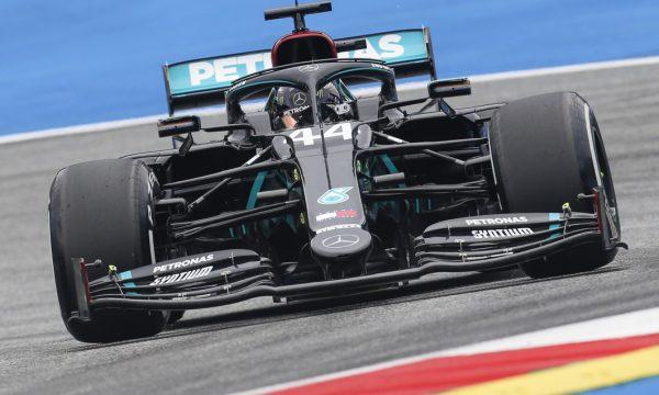 Gati starti i sezonit të ri, Mercedes dominon provat e lira në Austri