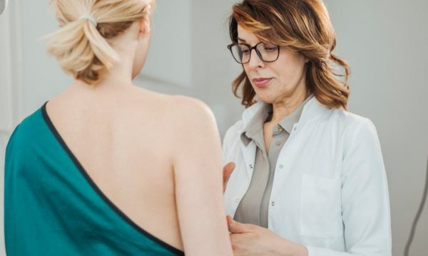 Simptomat e hershme të kancerit të vezoreve