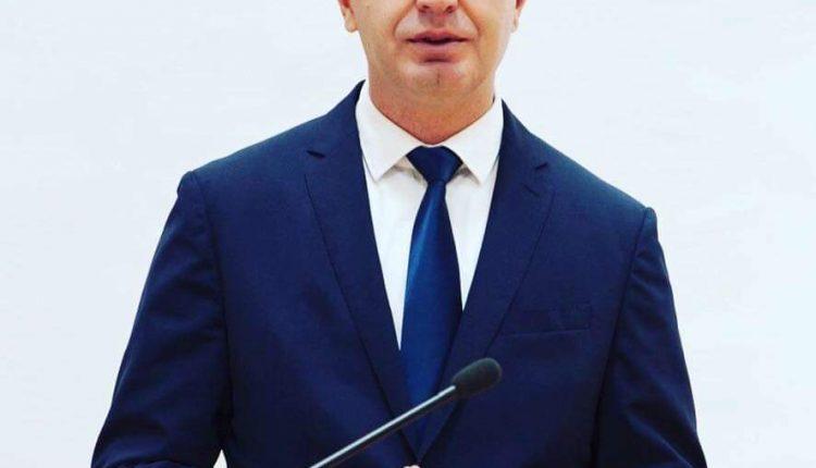 Siç u bashkuan shqiptarët e Tuzit, të bashkohen edhe të Maqedonisë. Votoni kryeministrin shqiptar