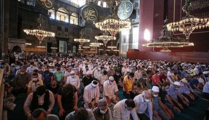 Erdogan: Bajrami më i lumtur me Xhaminë e Madhe Ajasofja